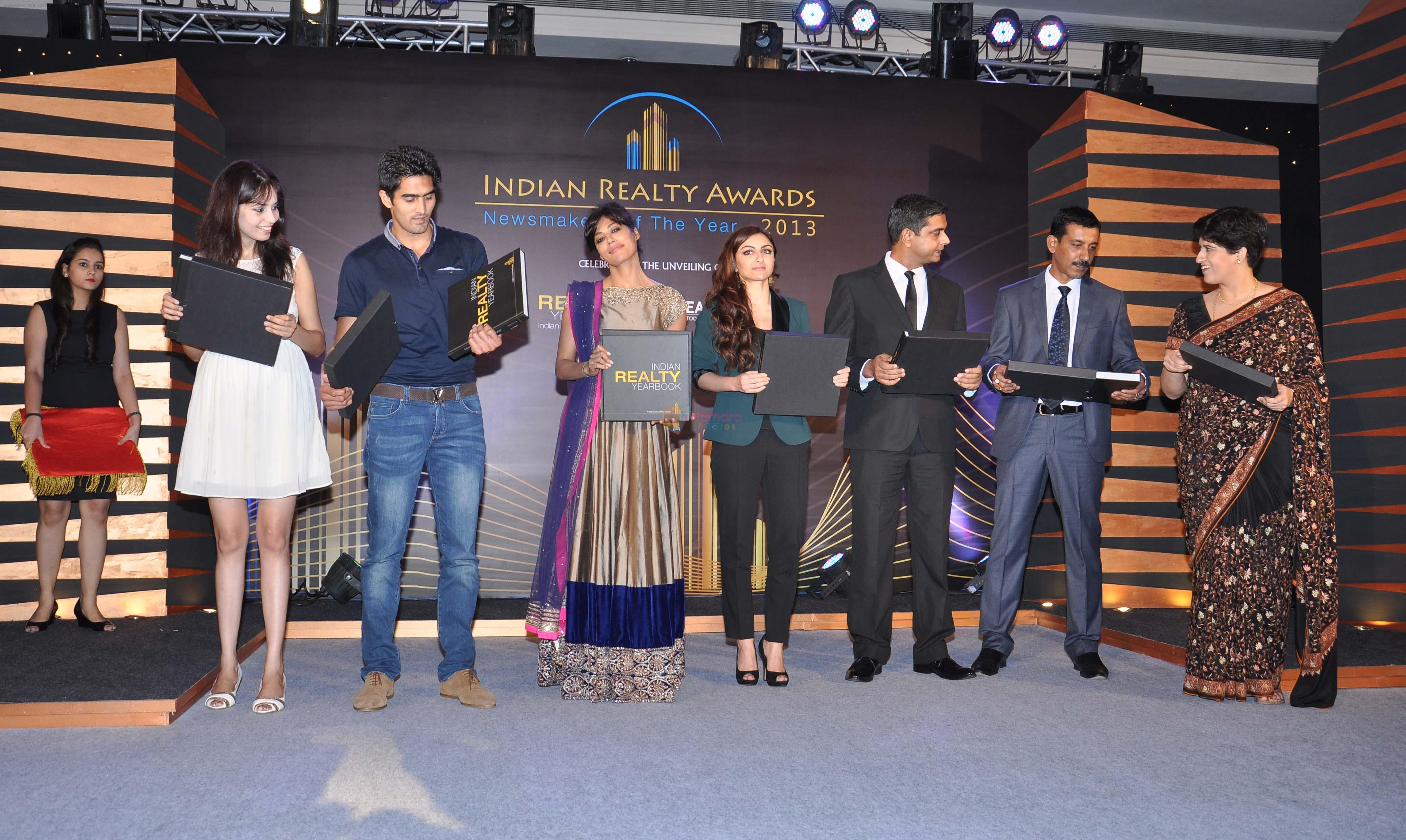 Chitrangada Singh, Soha Ali Khan, Vijender Singh launch India Realty Yearbook & Real Leaders at The premier Indian Realty Awards 2013 in New Delhi on 8th Oct 2013