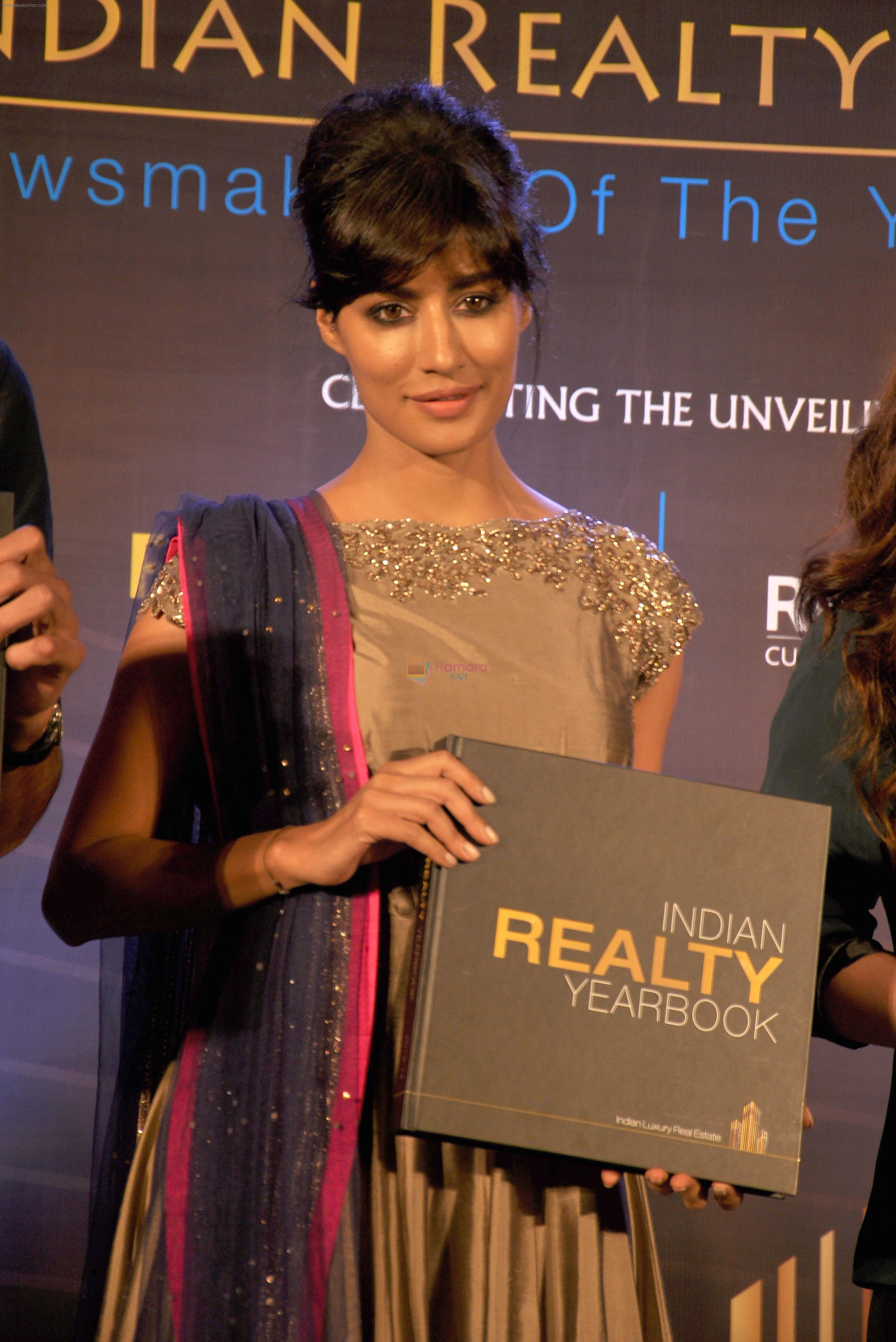 Chitrangada Singh launch India Realty Yearbook & Real Leaders at The premier Indian Realty Awards 2013 in New Delhi on 8th Oct 2013