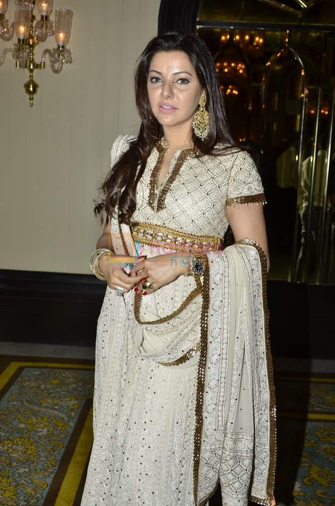 Kehkashan Patel at Abu Jani's The Golden Peacock show for Sahachari Foundation in Mumbai on 7th Oct 2013