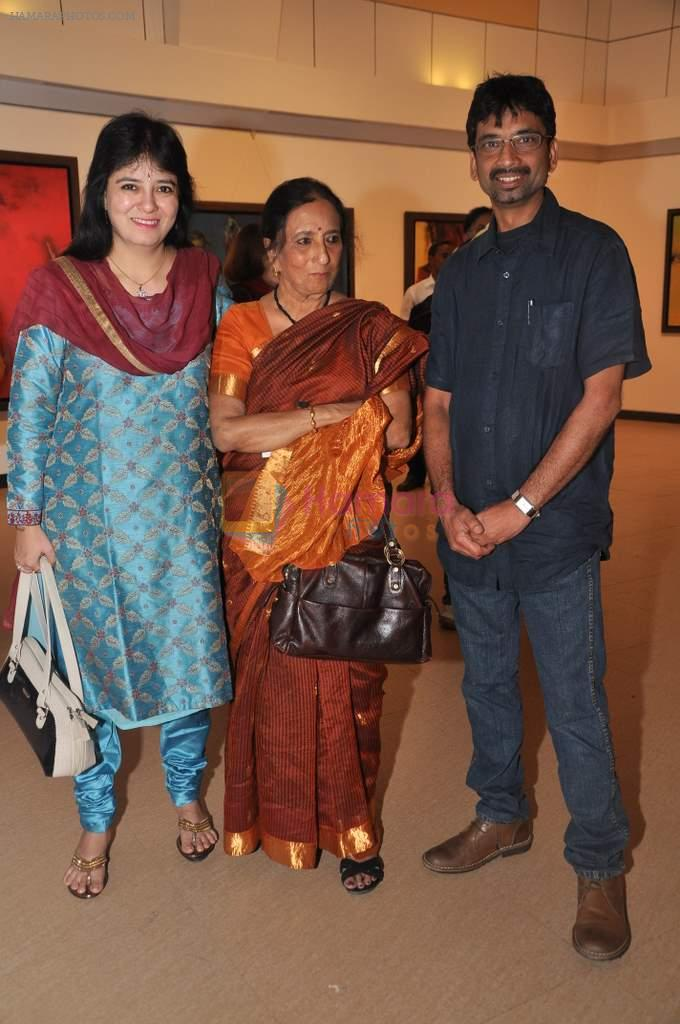 at Ravi Mandlik art exhibition in Jehangir Art Gallery on 8th Oct 2013