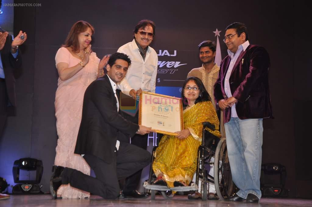 Zayed Khan, Sanjay Khan, Zarine Khan at Dr Batra's Positive awards in NCPA, Mumbai on 8th Oct 2013