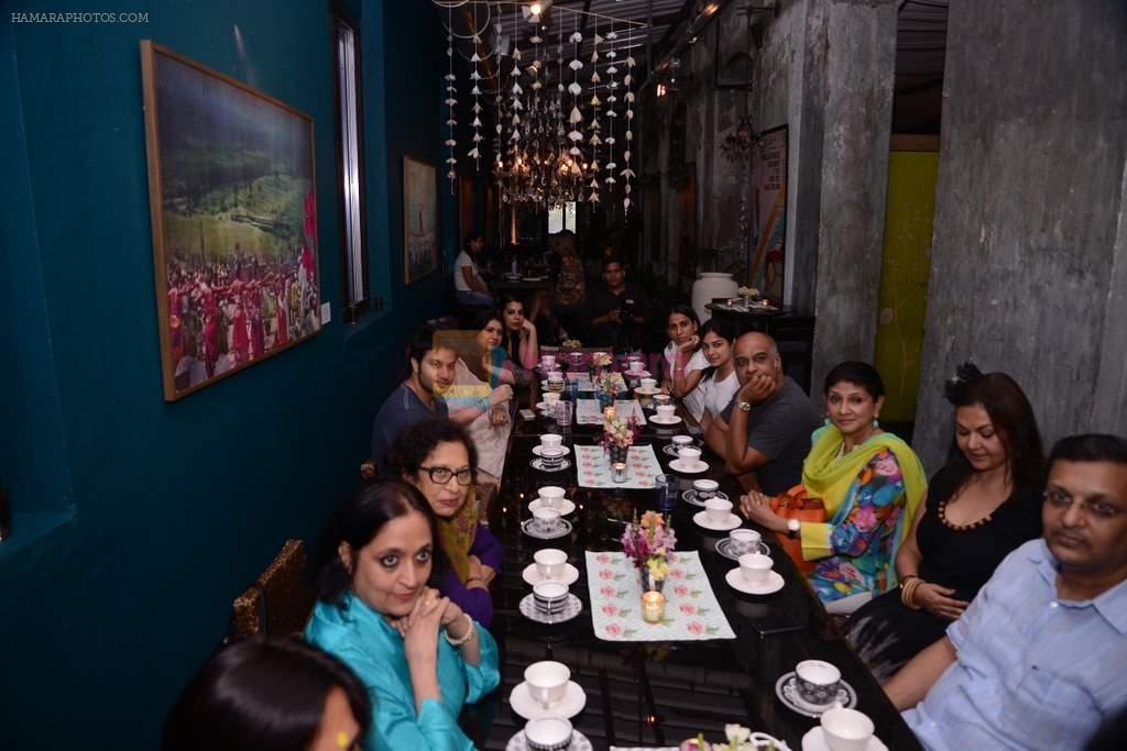 at Good Earth's Chai Time gathering in Good Earth, Lower Parel, Mumbai on 8th Oct 2013