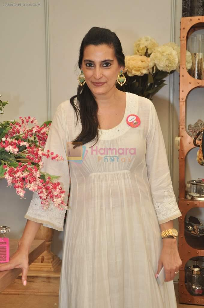 Mana Shetty at Araish in Mumbai on 8th Oct 2013