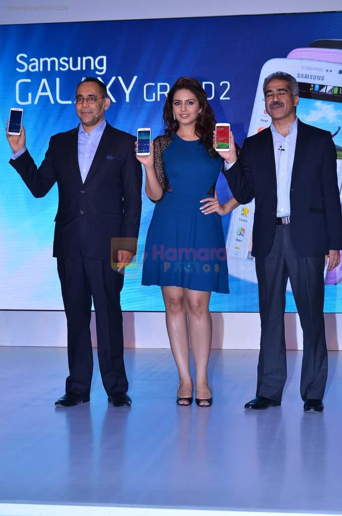 Huma Qureshi Unveils the New Samsung Grand in Palladium, Mumbai on 23rd Dec 2013
