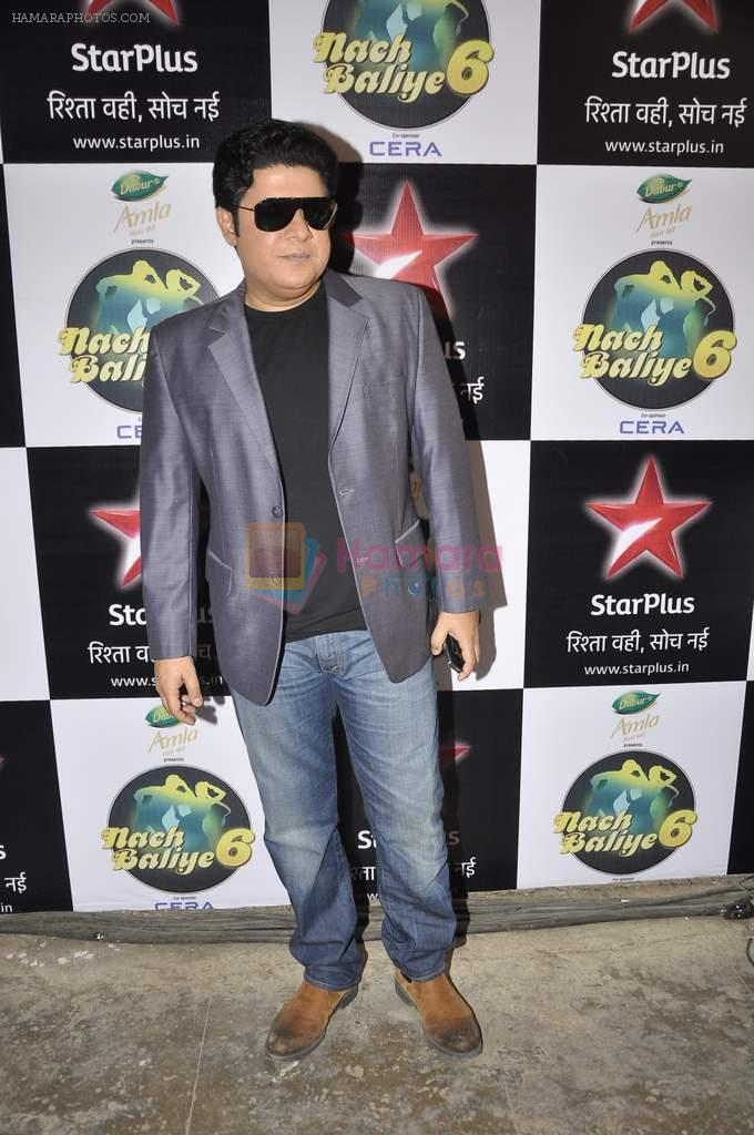 Sajid Khan on the sets of Nach Baliye 6 in Filmistan, Mumbai on 7th Jan 2014