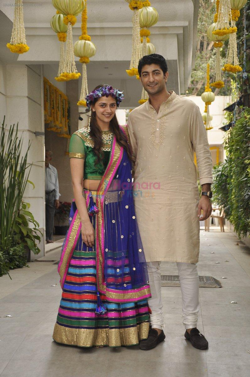 Vaibhav Arora, Ahana Deol at Ahana Deol's Mehndi Ceremony in Mumbai on 31st Jan 2014