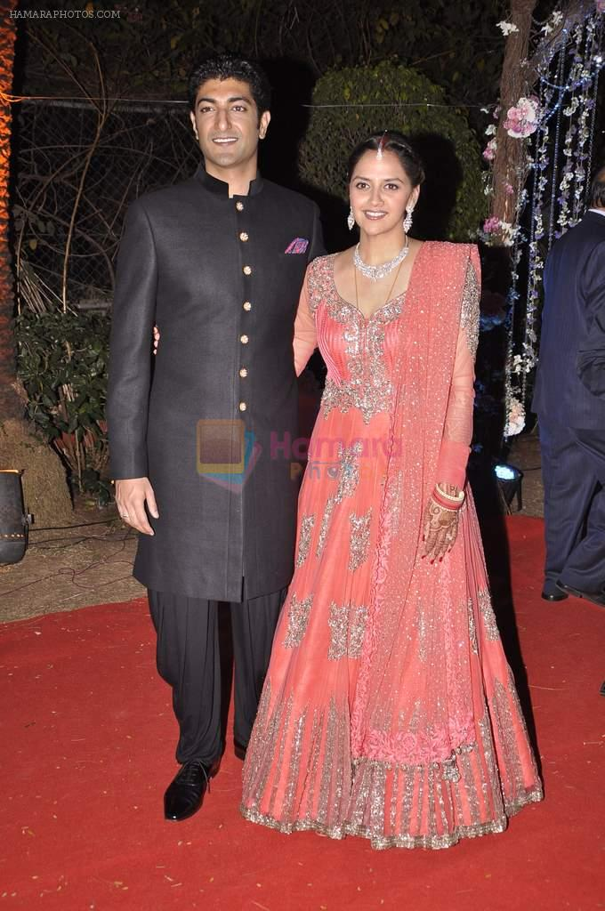Vaibhav Arora, Ahana Deol at Ahana Deol's Wedding Reception in Mumbai on 2nd Feb 2014