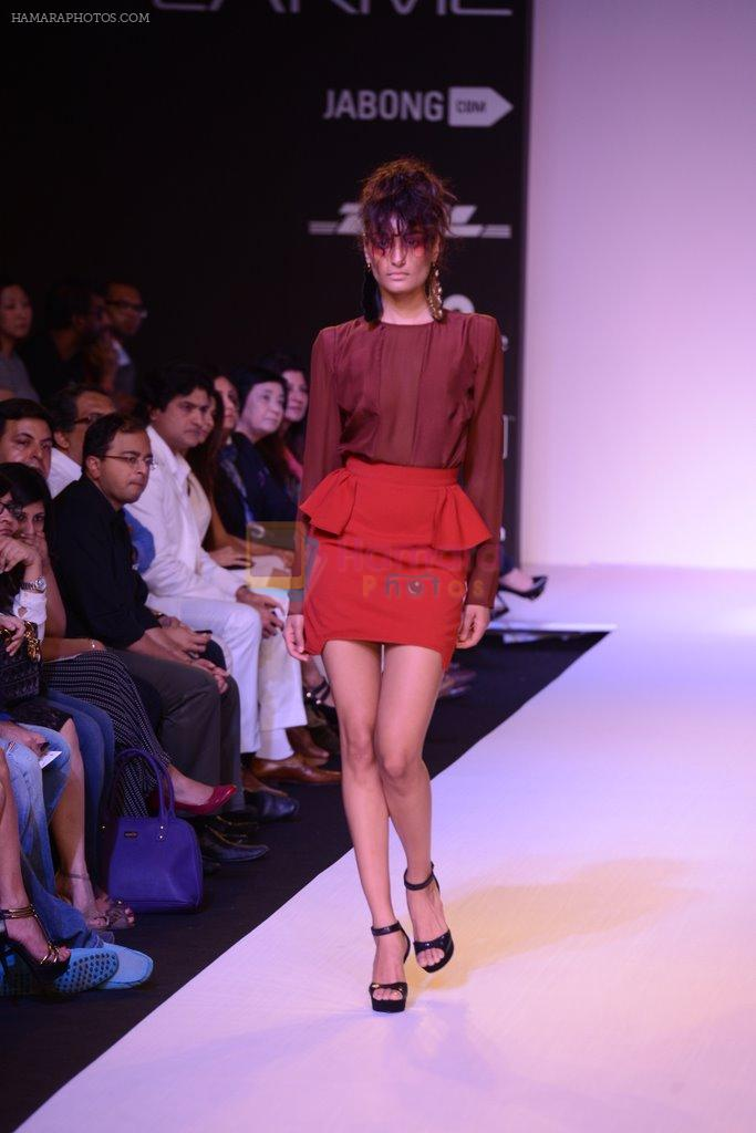 Model walk for Narendra Kumar Ahmed Show at LFW 2014 Day 1 in Grand Hyatt, Mumbai on 12th March 2014