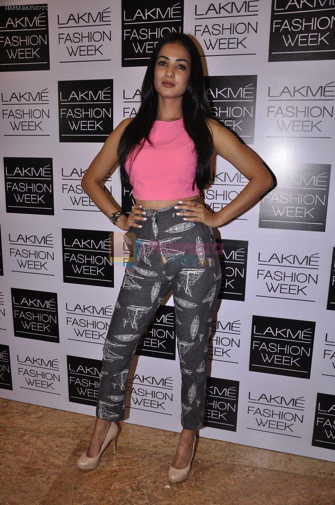 Sonal Chauhan on Day 1 at LFW 2014 in Grand Hyatt, Mumbai on 12th March 2014