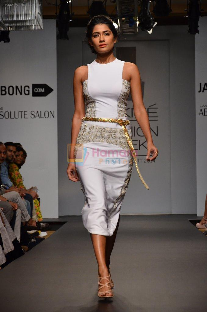 Model walk for Swagger by Saj Jabong Show at LFW 2014 Day 1 in Grand Hyatt, Mumbai on 12th March 2014