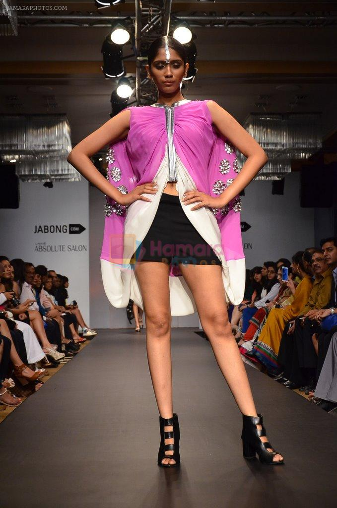 Model walk for Urvashi Joneja Show at LFW 2014 Day 2 in Grand Hyatt, Mumbai on 13th March 2014