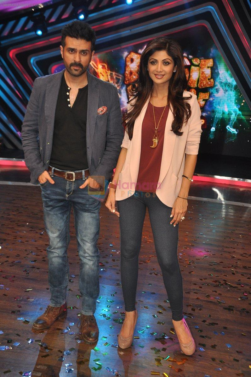Shilpa Shetty, Harman Baweja at Dishkiyaaon promotions on Boogie Woogie in Mumbai on 13th March 2014