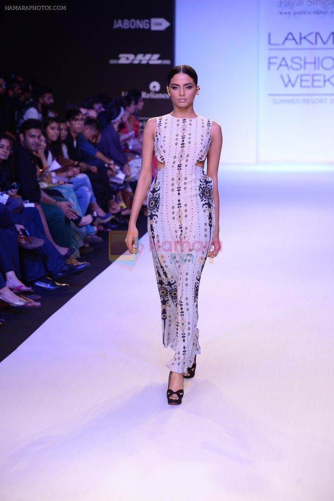 Model walk for Payal Singhal Show at LFW 2014 Day 2 in Grand Hyatt, Mumbai on 13th March 2014