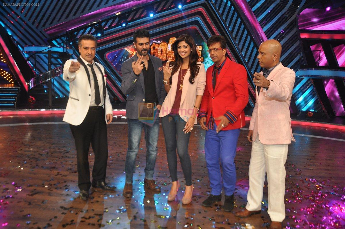 Shilpa Shetty, Harman Baweja, Javed Jaffrey, Ravi behl, Naved Jaffrey at Dishkiyaaon promotions on Boogie Woogie in Mumbai on 13th March 2014