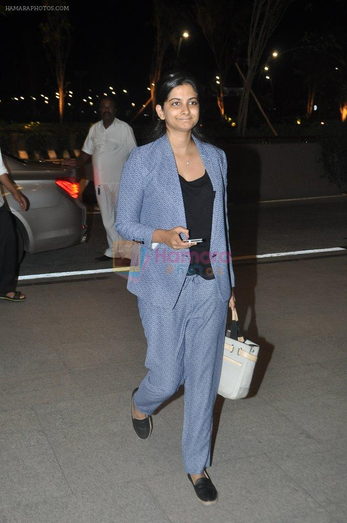 Rhea Kapoor leave for Cannes in Airport, Mumbai on 16th May 2014