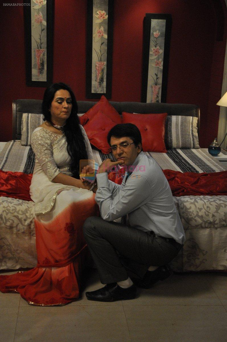 Sooraj Thapar, Padmini Kolhapure on sets of Ekk Nayi Pehchaan for Sony in Filmcity, Mumbai on 2nd June 2014