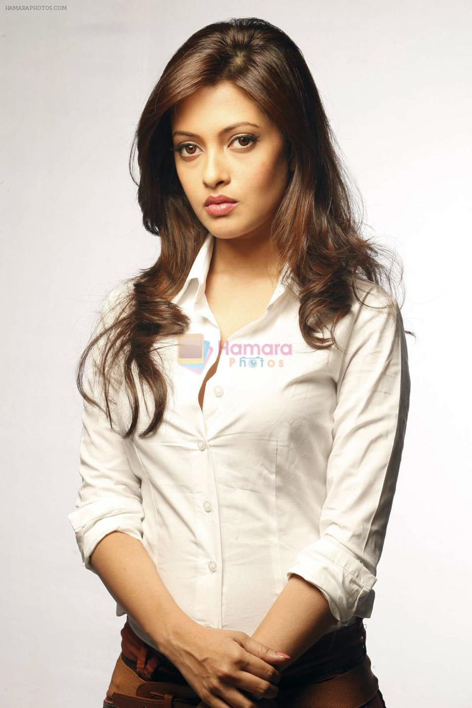 Riya Sen photo shoot on 3rd June 2014