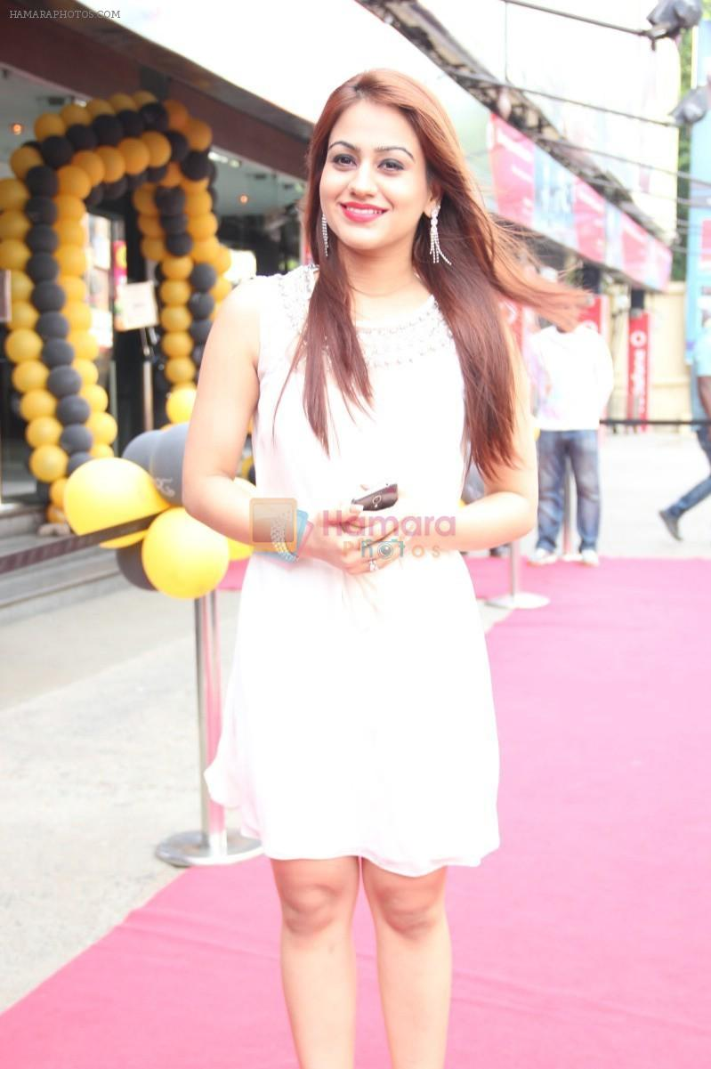 Aksha Pardasany New Stills
