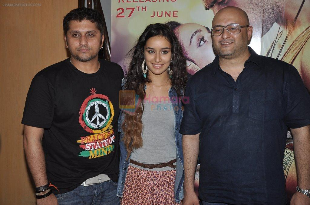 Shraddha Kapoor, Mohit Suri promotes music of Ek Villain in Juhu, Mumbai on 7th June 2014