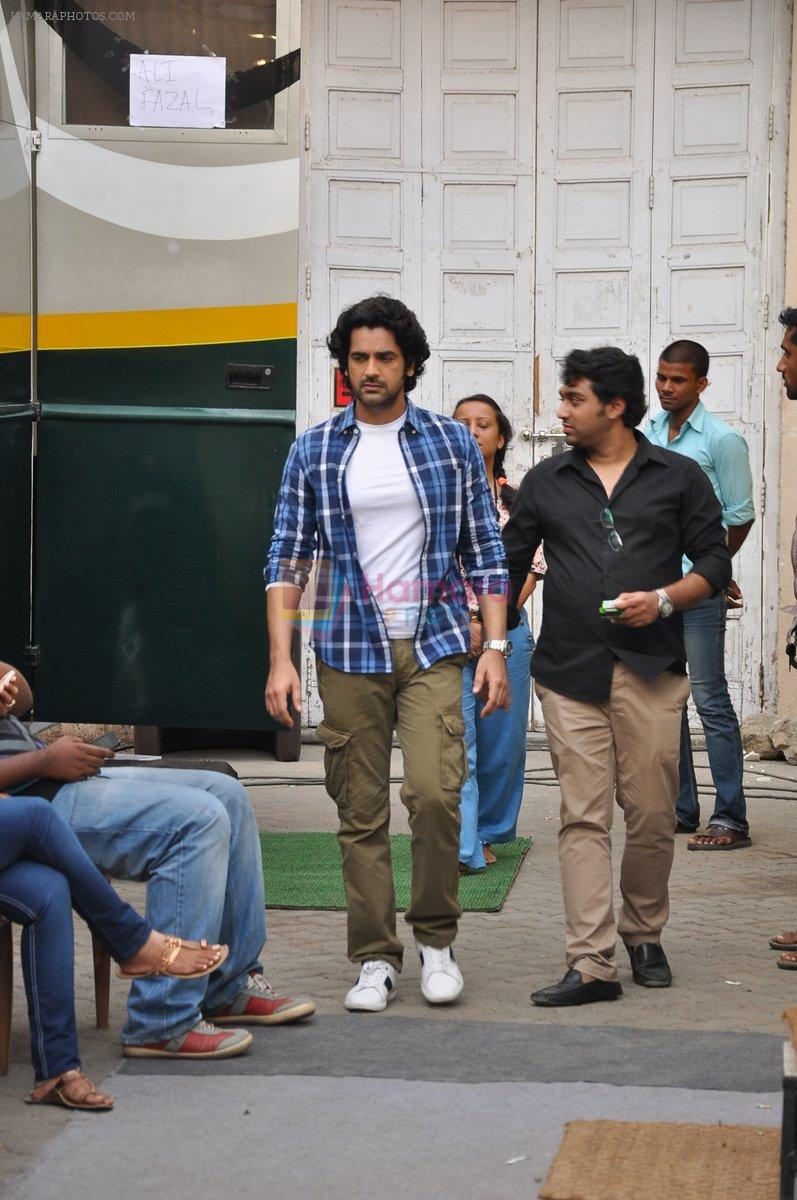 Arjan Bajwa snapped promoting Bobby Jasoos in Bandra on 25th June 2014