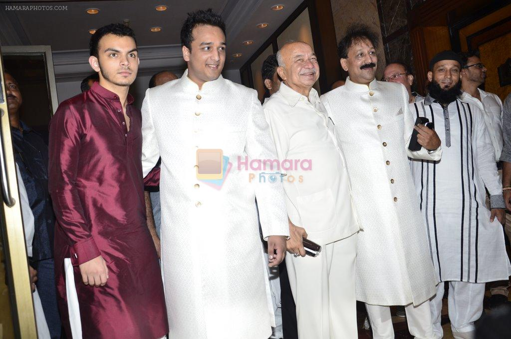 Baba Siddiqui's iftar party in Mumbai on 6th July 2014