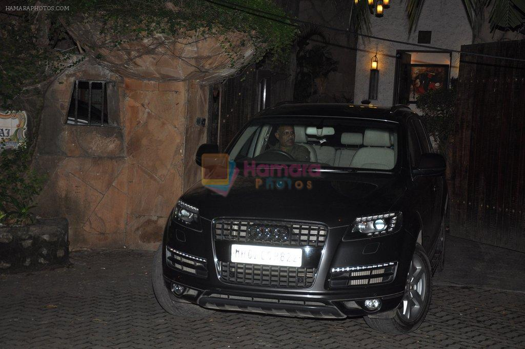 Aditya Roy Kapoor snapped at Ranbir's house on 16th Aug 2014