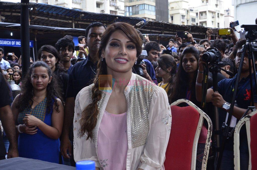Bipasha Basu promotes Creature at Mithibai college fest in Mumbai on 16th Aug 2014