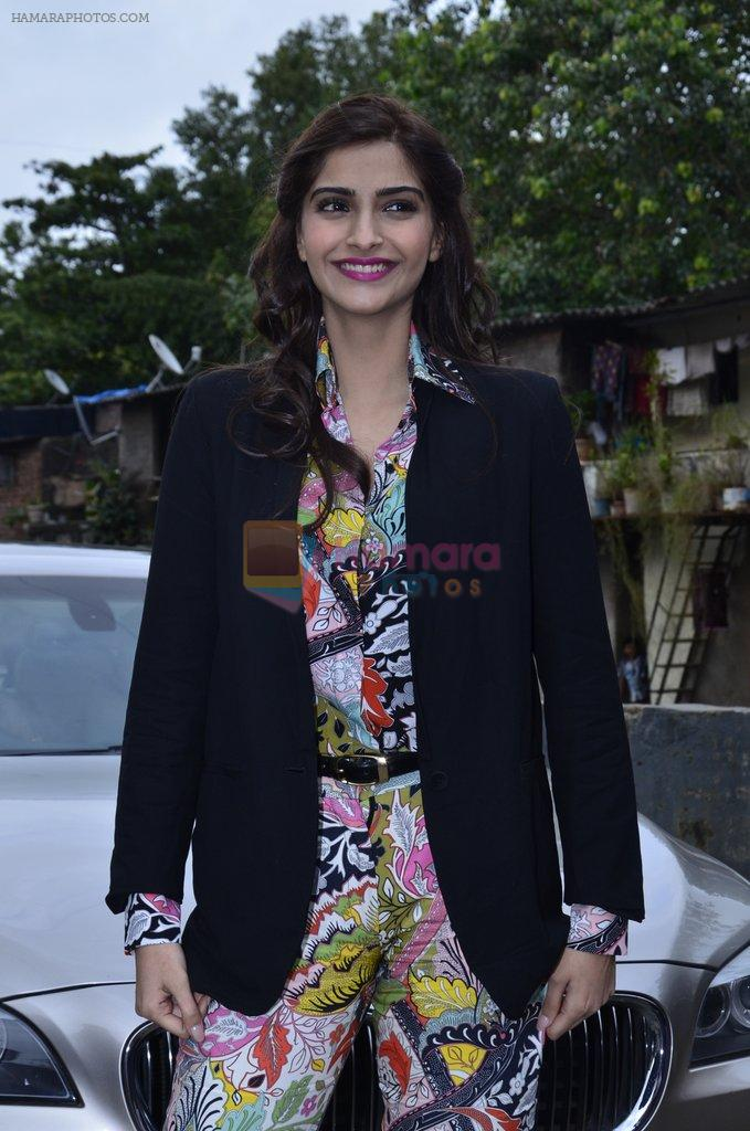 Sonam Kapoor at Mithibai college fest in Mumbai on 16th Aug 2014
