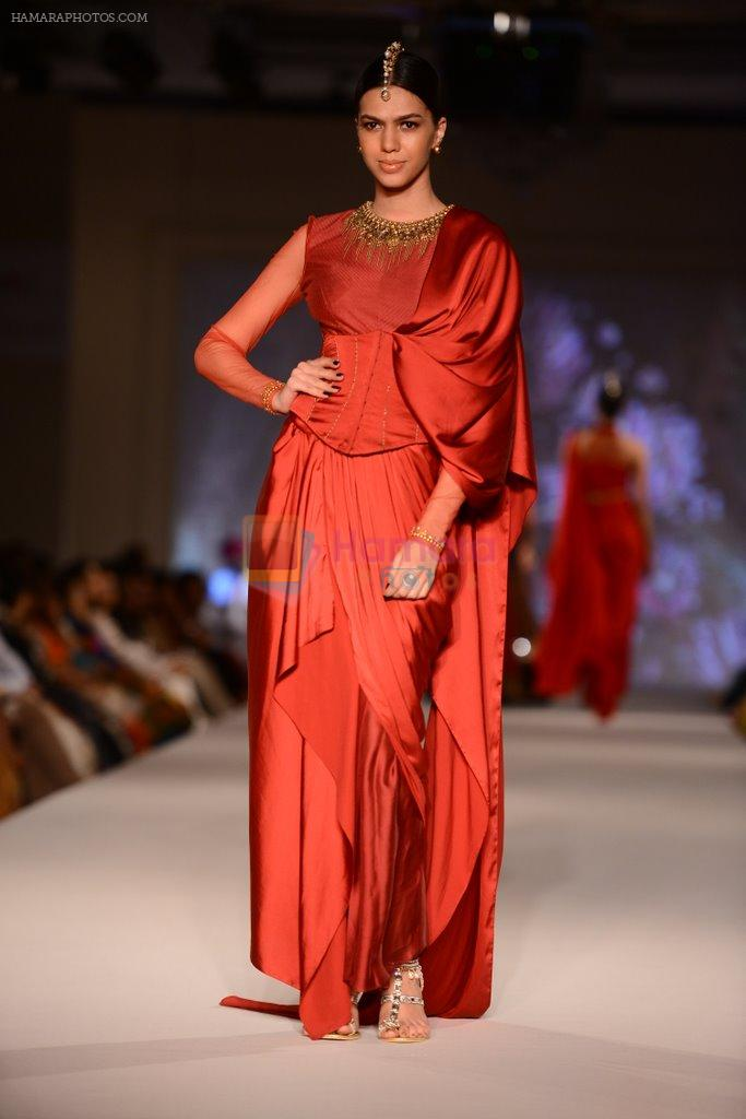Model walk for Tarun Tahiliani Modern Mughals show for Sahachari Foundation in Mumbai on 28th Sept 2014