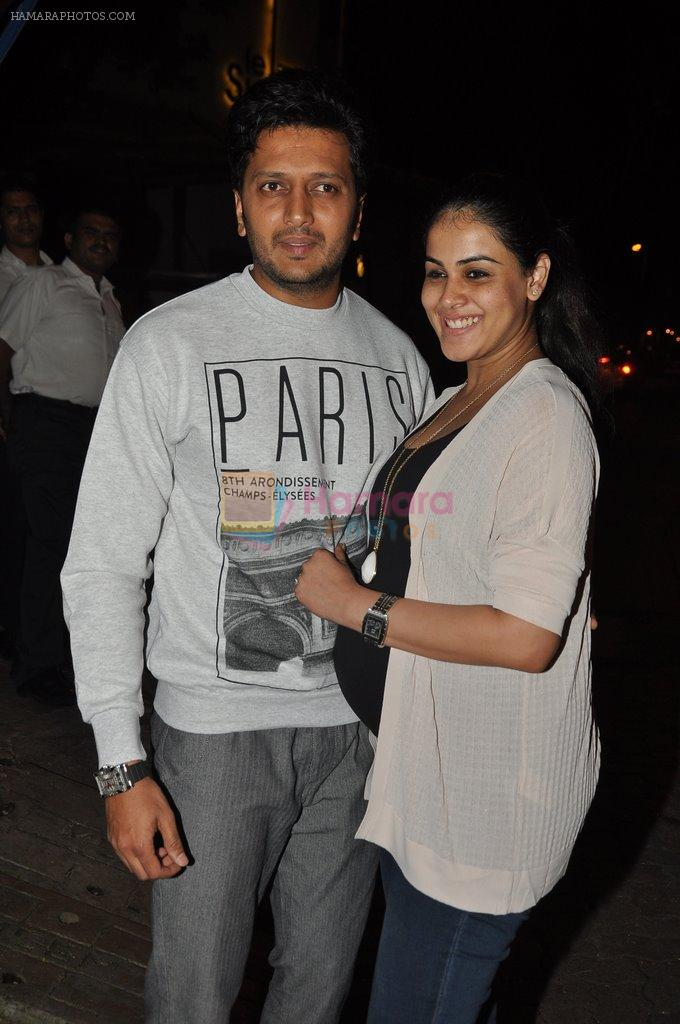 Genelia D Souza, Riteish Deshmukh snapped at Nido in Mumbai on 29th Sept 2014