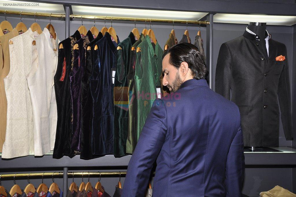 Saif Ali Khan inaugurates designer Raghavendra Rathore's new store in Mumbai on 30th Sept 2014