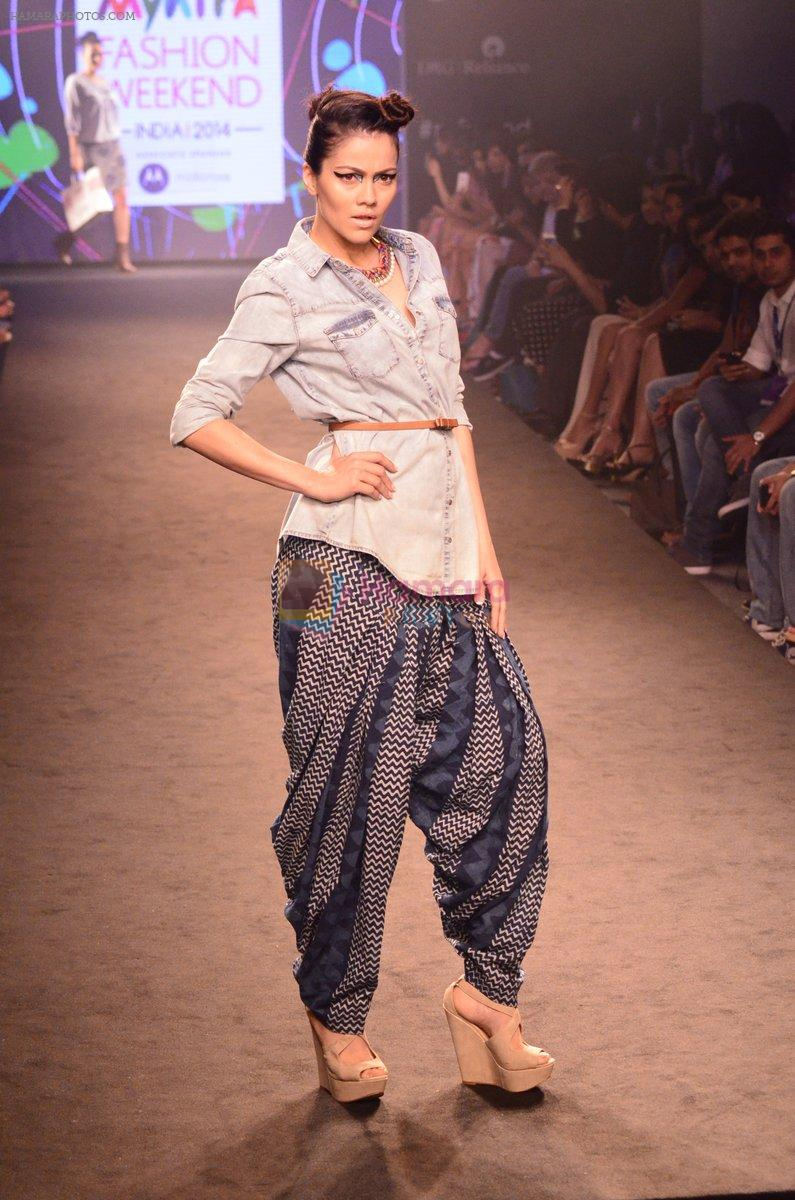 Model walk for Kalki show at Myntra fashion week day 2 on 4th Oct 2014