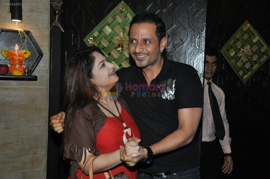 Ayesha Jhulka snapped at Mahesh Lunch Home on 4th Oct 2014