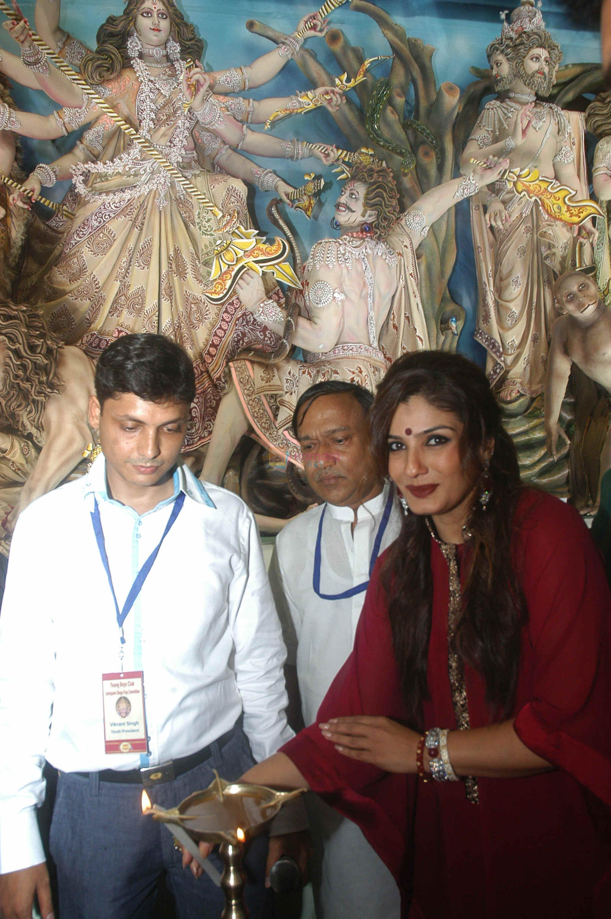 Raveena Tandon at Kolkata for Durga Puja