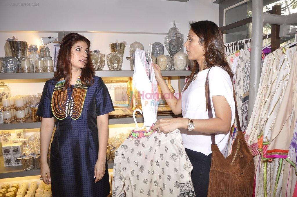 Gayatri joshi twinkle khanna at laila singh showcases her for Interior designs by twinkle khanna
