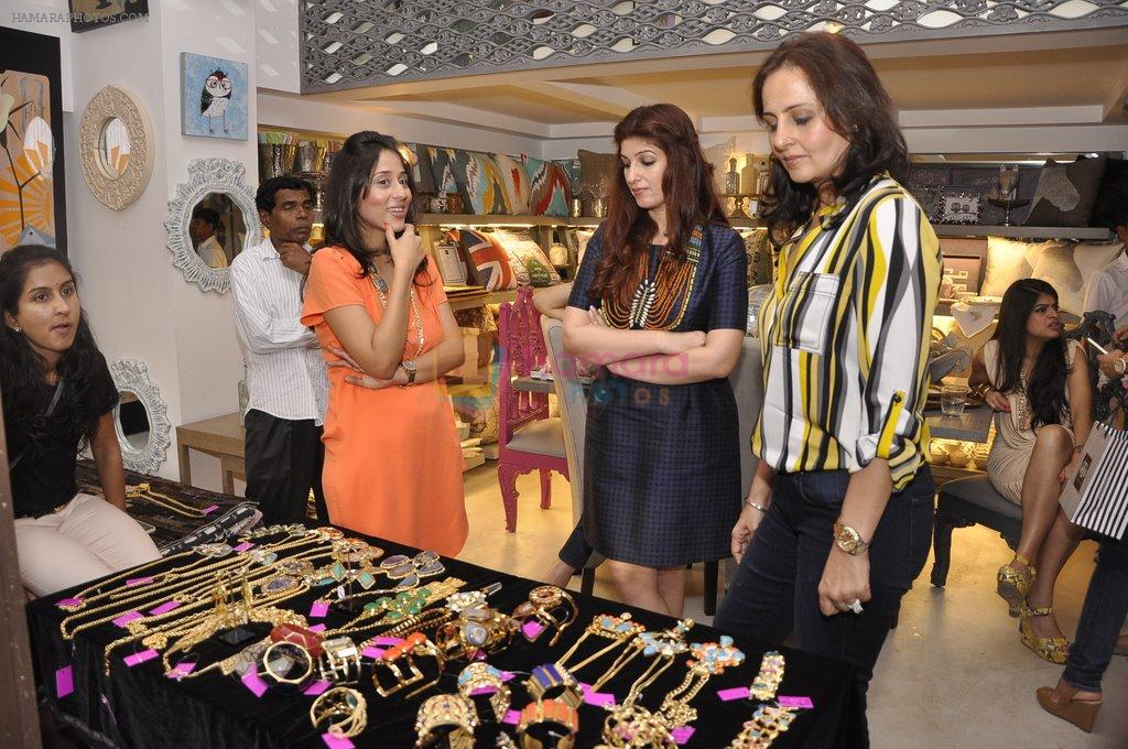 Twinkle khanna at laila singh showcases her new collection for Interior designs by twinkle khanna