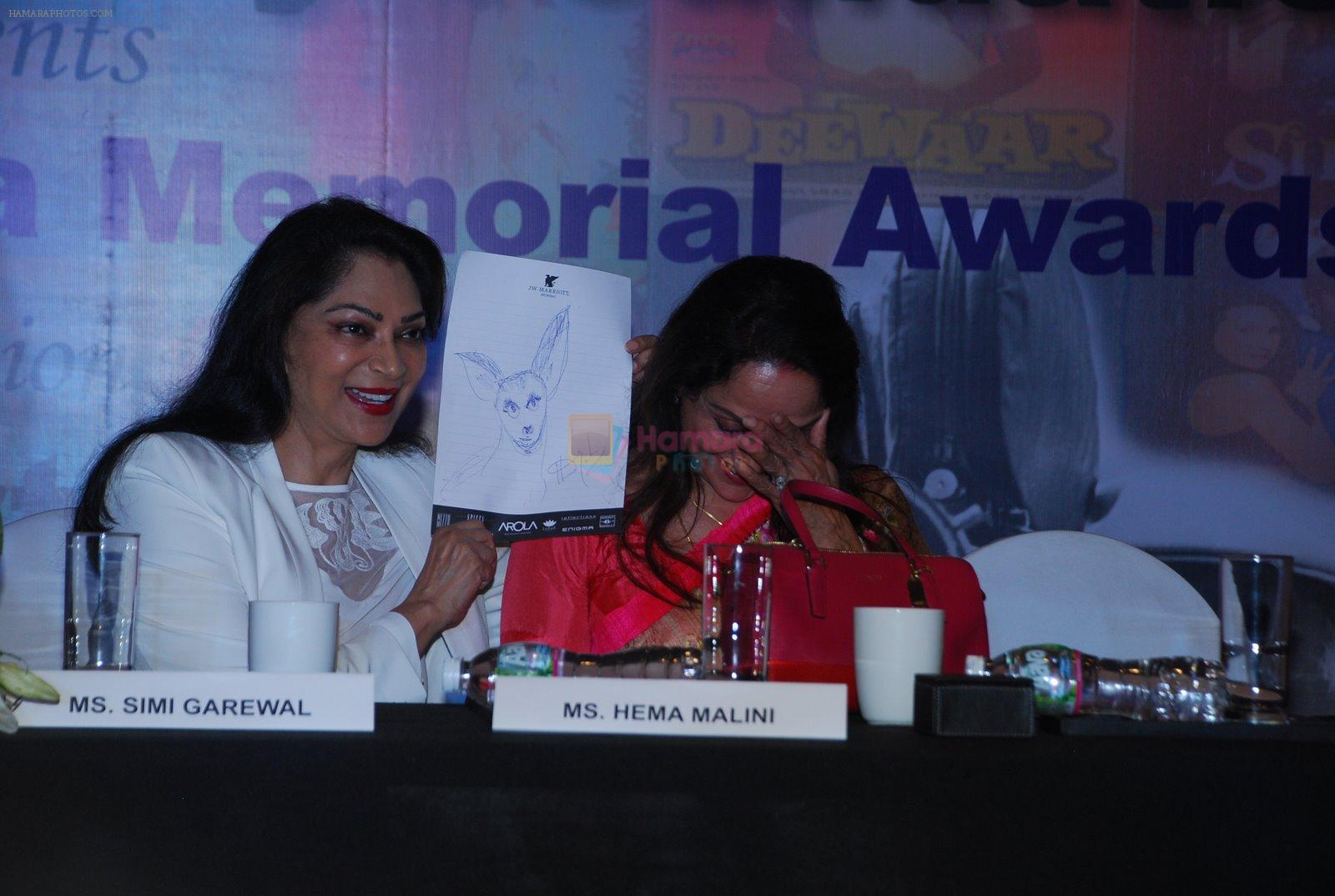 Hema Malini, Simi Grewal at GR8 Yash Chopra Memorial Awards meet in J W Marriott on 20th Nov 2014