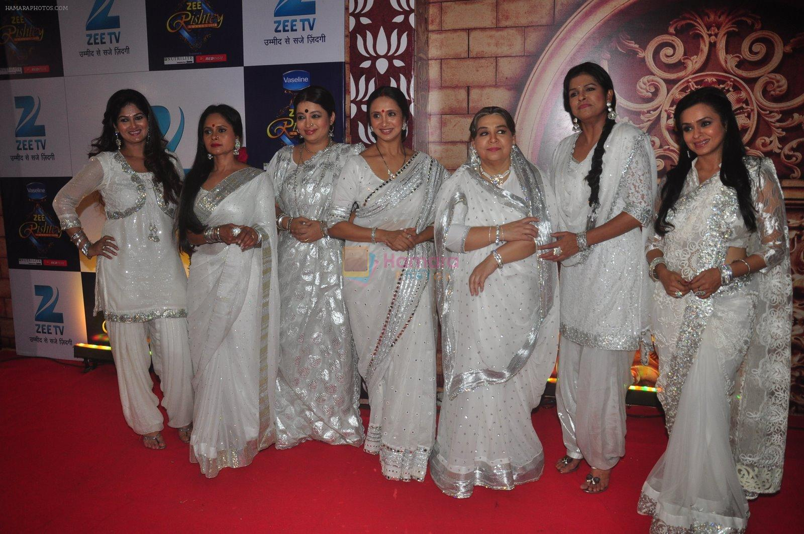 Farida Jalal at Zee Rishtey Awards in Andheri Sports Complex, Mumbai on 29th Nov 2014