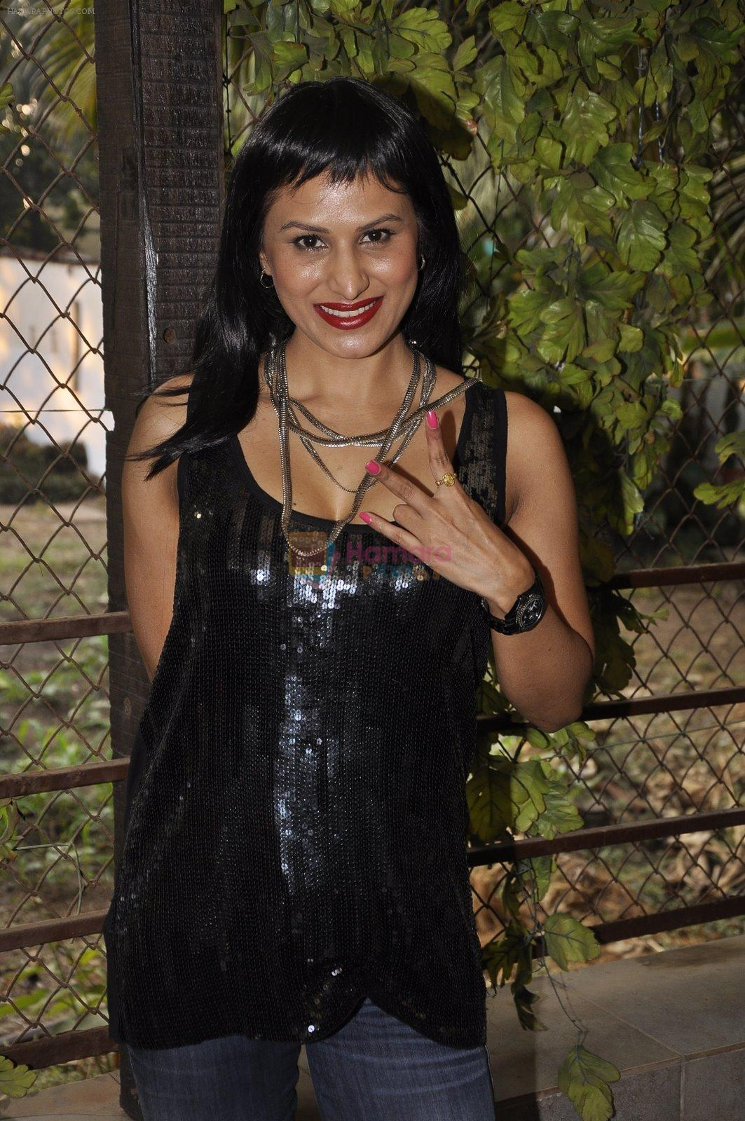 Nandini Jumani at Tina Ghai's event for new years in Juhu, Mumbai on 23rd Dec 2014