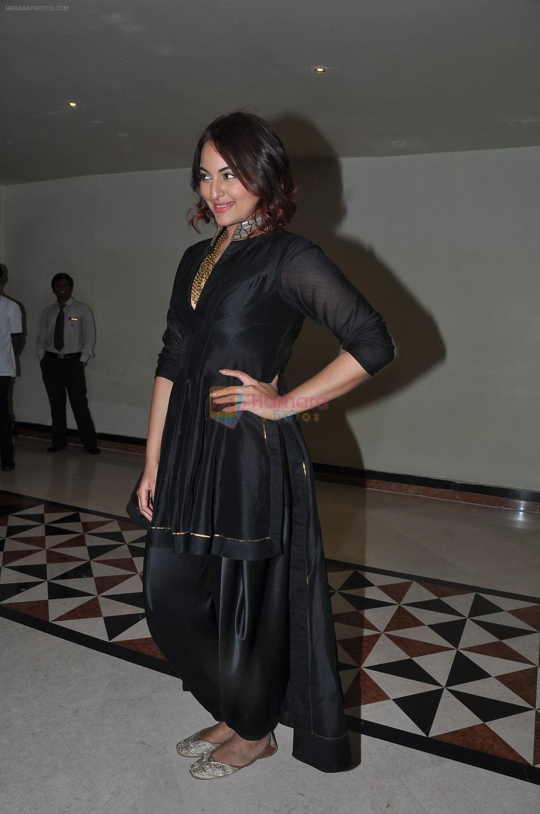 Sonakshi sinha in Hyderabad on 23rd Dec 2014