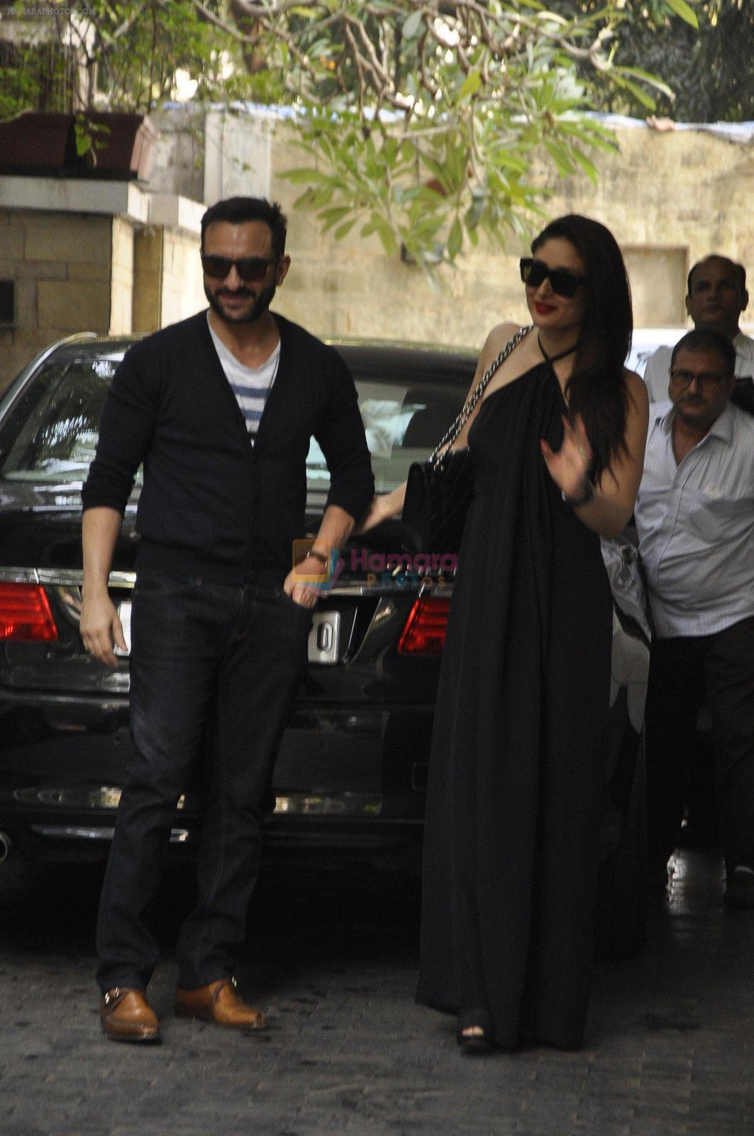 Kareena Kapoor, Saif Ali Khan at The Kapoors Christman Lunch Get-together  in Mumbai on 25th Dec 2014
