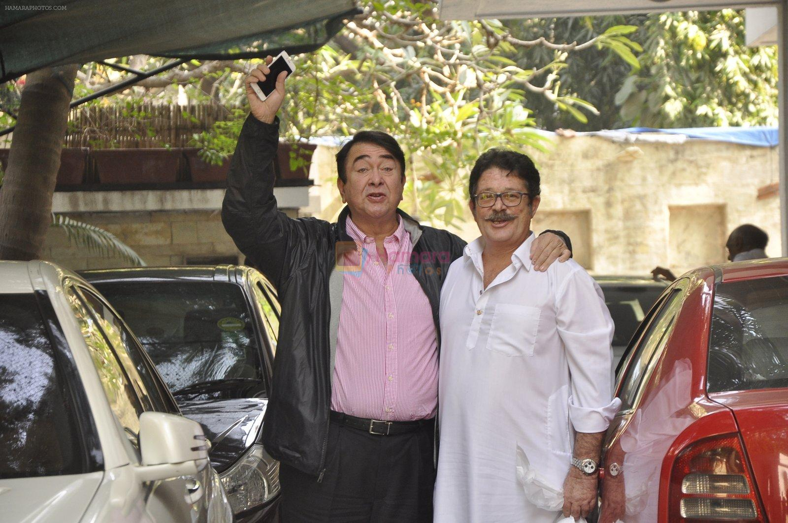Randhir Kapoor at The Kapoors Christman Lunch Get-together  in Mumbai on 25th Dec 2014