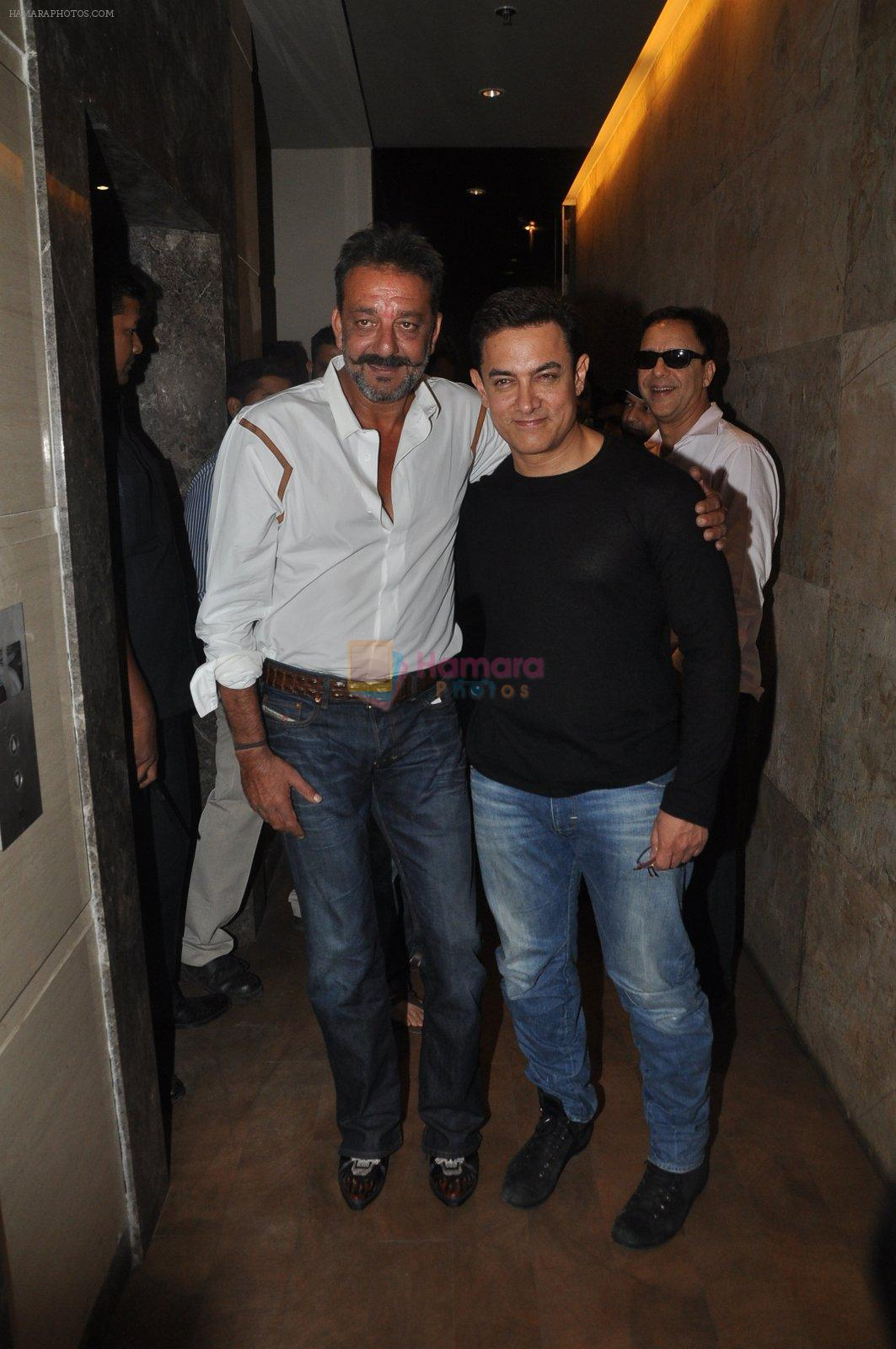 Sanjay Dutt, Aamir Khan at PK Screening in Mumbai on 25th Dec 2014