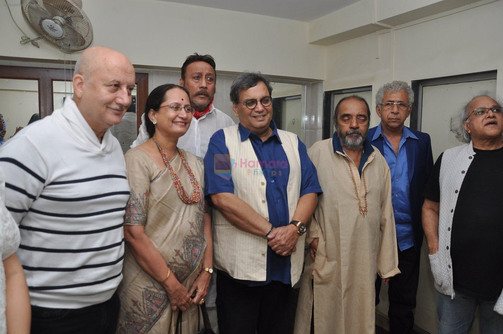 Naseeruddin Shah, Anupam Kher, Jackie Shroff, Subhash Ghai at Ali Peter John book launch in Mumbai on 28th Dec 2014