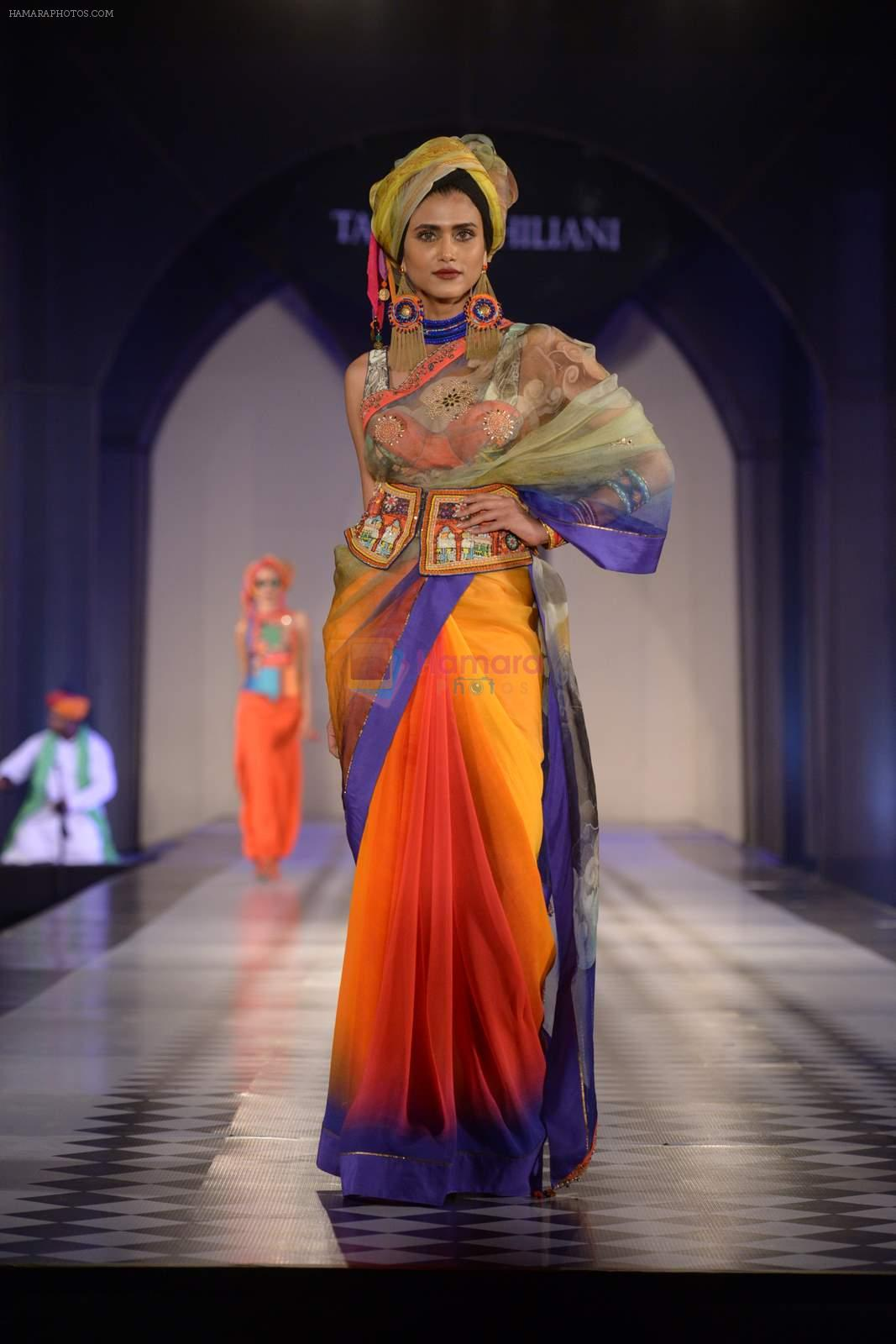 Model walks for Tarun Tahiliani-Azva show in Hyderabad in Tak Krishna on 13th Jan 2015