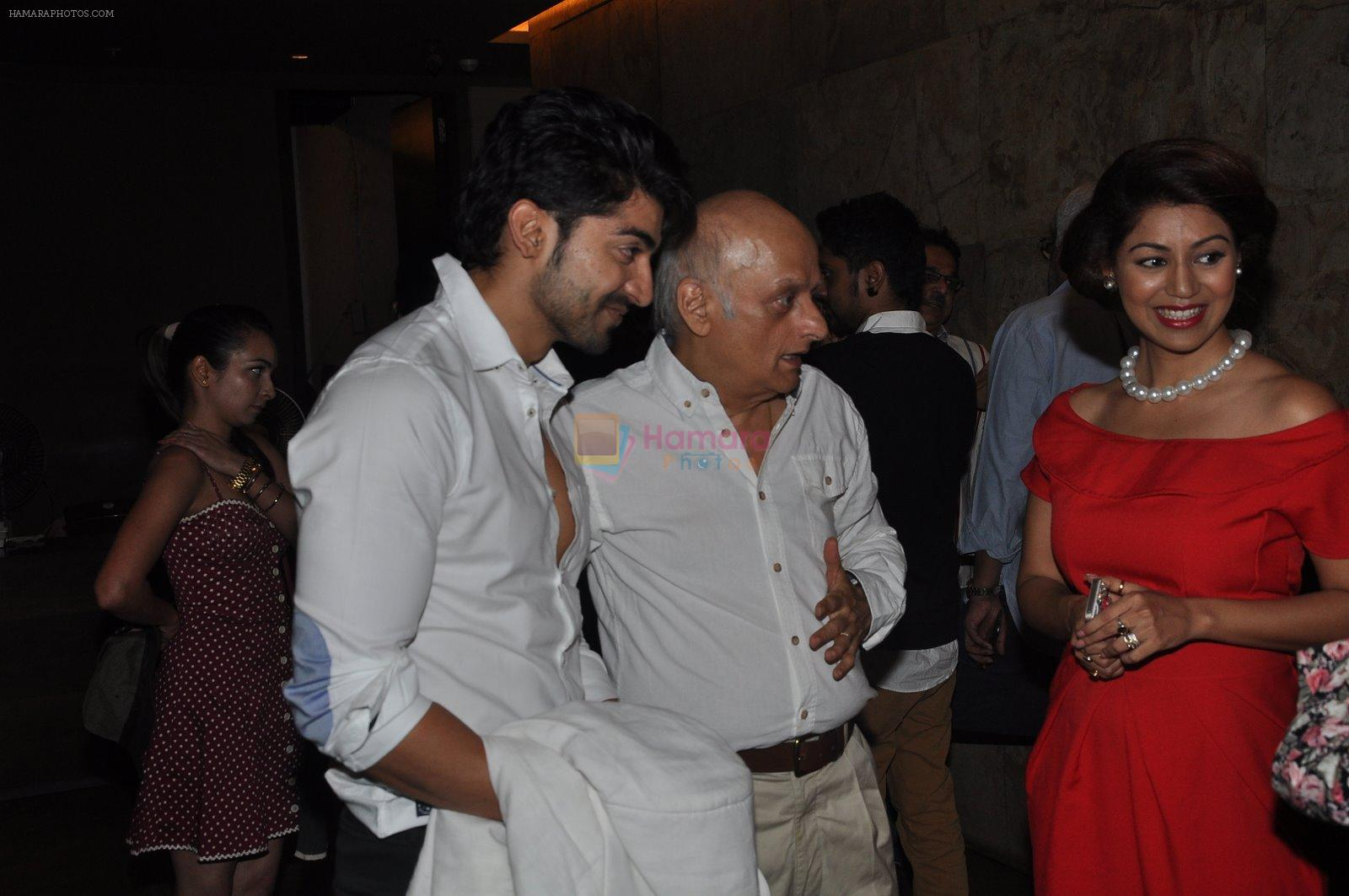 Mukesh Bhatt, Debina Bonnerjee, Gurmeet Chaudhary at Gurmeet's screening in Lightbox, Mumbai on 18th Jan 2015