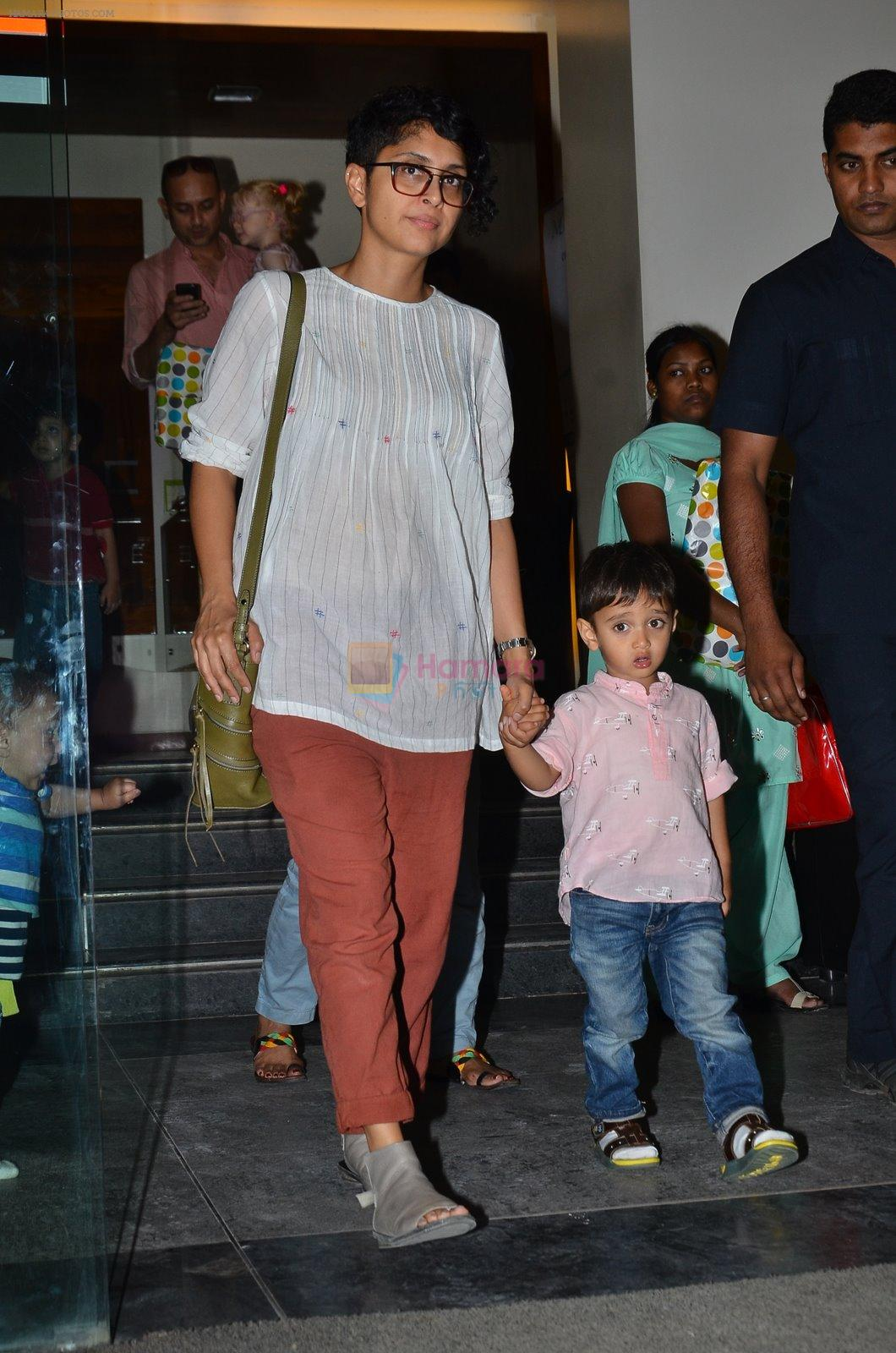 Kiran Rao snapped with Azad Rao in Worli, Mumbai on 22nd Jan 2015