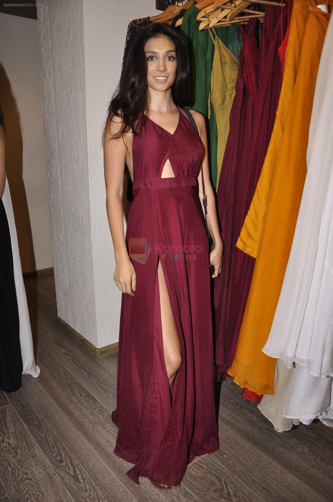 Preeti Desai at Zulekha Shariff's preview in Atosa, Mumbai on 30th Jan 2015