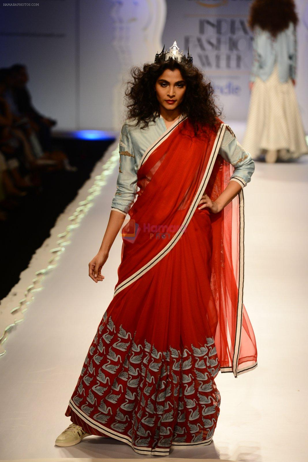 Model walk the ramp for Anju Modi on day 1 of Amazon India Fashion Week on 25th March 2015