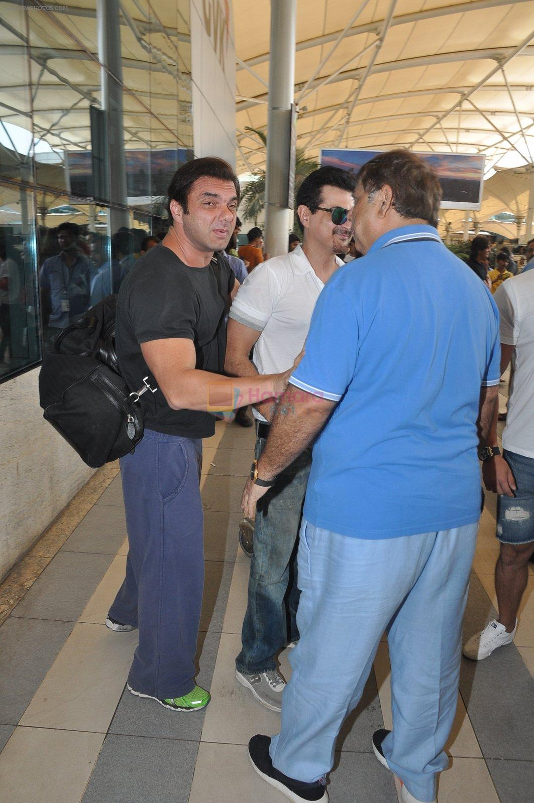 Sohail Khan depart to Goa for Planet Hollywood Launch in Mumbai Airport on 14th April 2015